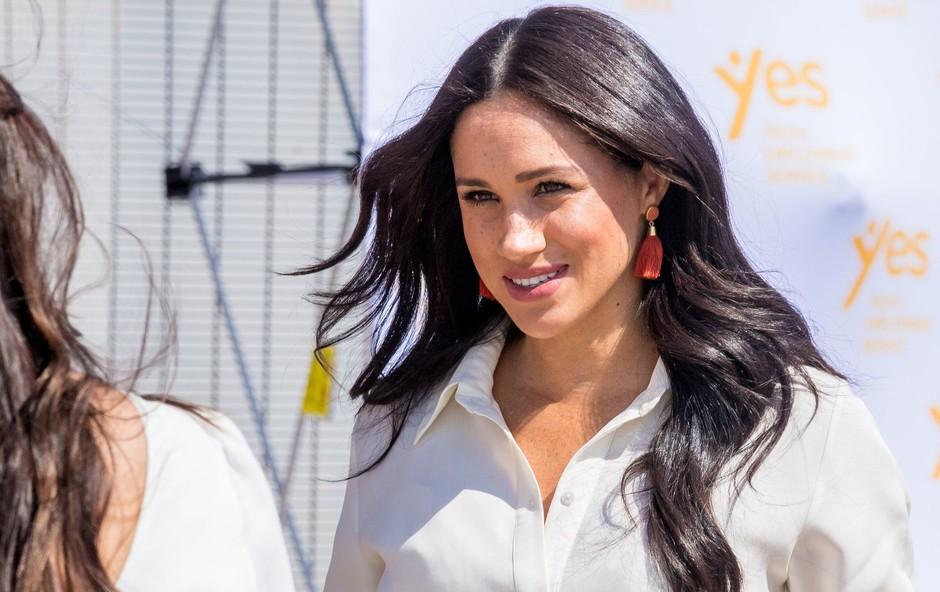 Meghan Markle v beli obleki vsem jemala dih, Kate Middleton takšne še nikoli nismo videli (foto: Profimedia)