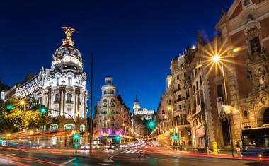 Gran Via je najbolj živahna ulica, polna gledališč, trgovin in barov.