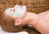 Maska za obraz, ki deluje kot botoks: Pripravite si jo lahko kar doma!