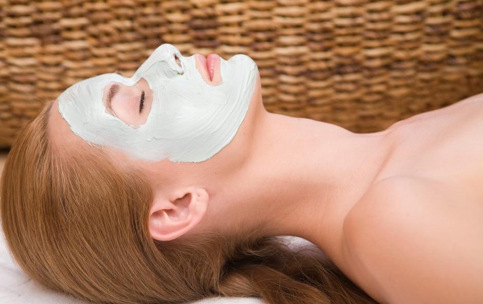 Maska za obraz, ki deluje kot botoks: Pripravite si jo lahko kar doma! (foto: Profimedia)
