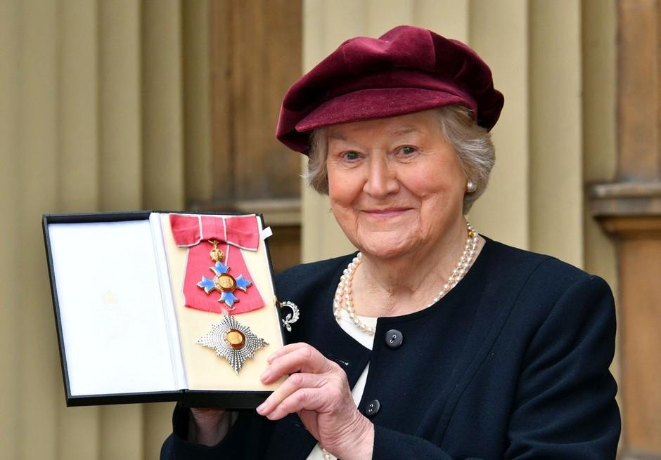 Novembra bo minilo 24 let od ene in edine Fine gospe Hyacinth Bucket (foto: Profimedia)