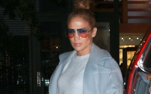 Posrečena kombinacija oblačil: Jennifer Lopez res obvlada!