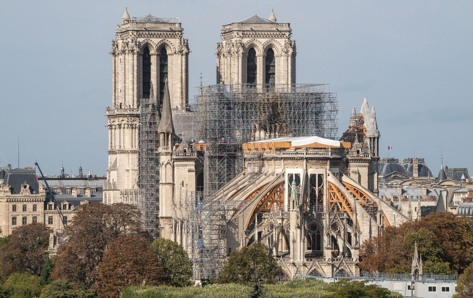 Po požaru v katedrali Notre-Dame bodo posneli televizijsko serijo (foto: Profimedia)