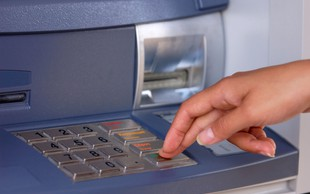 Pri enkratnem plačilu z brezstičnimi karticami PIN odslej ni več potreben za zneske do 25 evrov