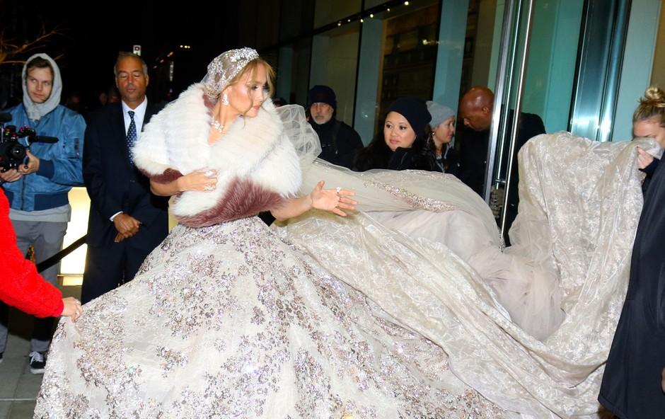Jennifer Lopez pobegnila s poroke - a zgolj s filmske (foto: Profimedia)