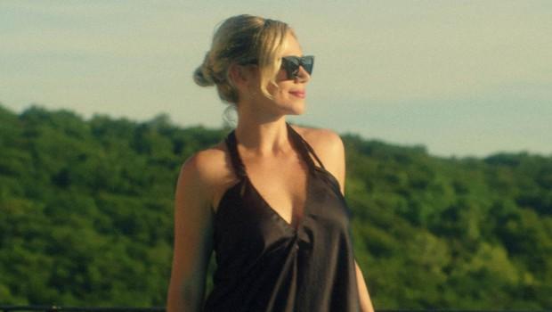Katarina Čas je letos že bila na morju: Poglejte si, kdo je lepotici delal družbo! (foto: Alex Cvetkov)