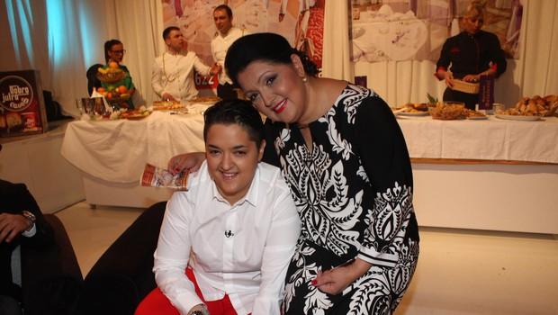 Marija Šerifović z mamo Verico. (foto: Osebni Arhiv)