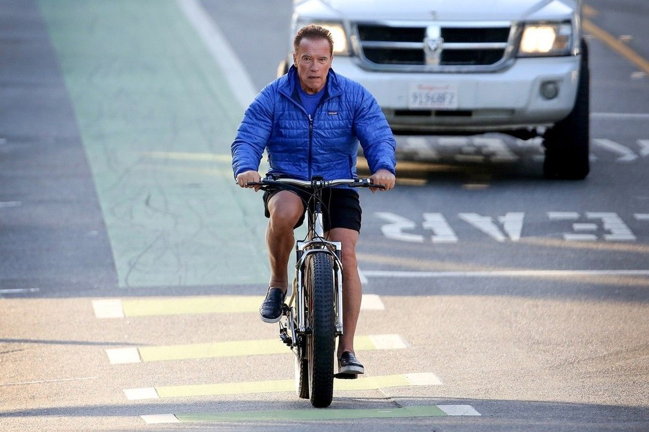 Arnold Schwarzenegger pri 72 še vedno v fitnesu, tudi na potovanjih (foto: Profimedia)
