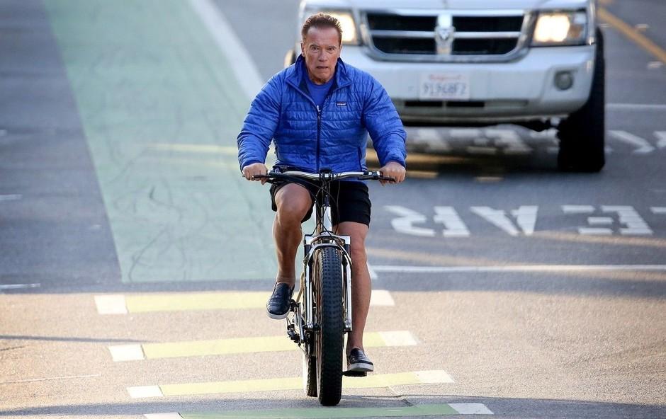 Arnold Schwarzenegger: Vsi na kolo za zdravo telo (foto: Profimedia)