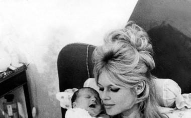 Leta 1960 je Brigitte rodila sina Nicolasa Jacquesa.