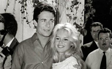 Brigitte Bardot in njen soprog Jacques Charrier leta 1959. Poročena sta bila do leta 1962.