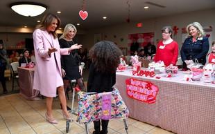 5 plaščev Melanie Trump, ki bi jih v svoji garderobni omari rada videla vsaka ženska