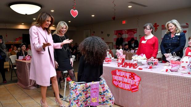 5 plaščev Melanie Trump, ki bi jih v svoji garderobni omari rada videla vsaka ženska (foto: Profimedia)