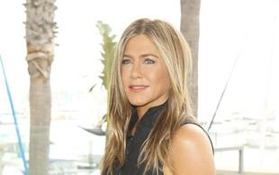 Jennifer Aniston navdušila z objavo v družbi psička