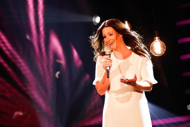 Ob nastopu Ane Dežman publika in žirija v solzah, mama Elda obnemela (foto: Miro Majcen / POP TV)