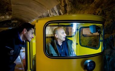 Novi vlakci Postojnske jame so varnejši, udobnejši in okolju prijaznejši.