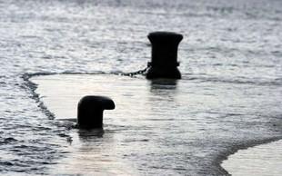 Neurja in visoka plima poplavila kraje ob hrvaški obali