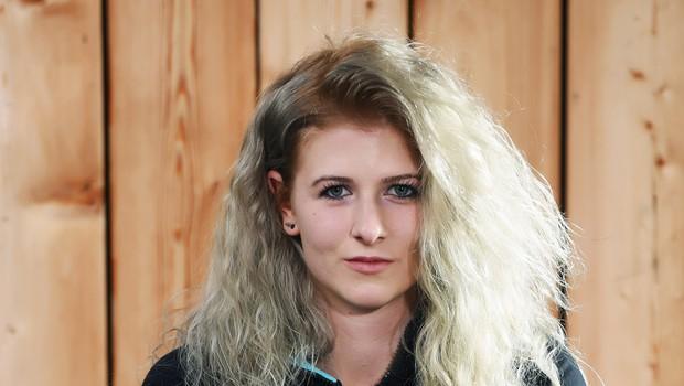Spoznajte osemnajstletno Saro, ki na snegu deska že šestnajst let (foto: Mateja Jordovič Potočnik)