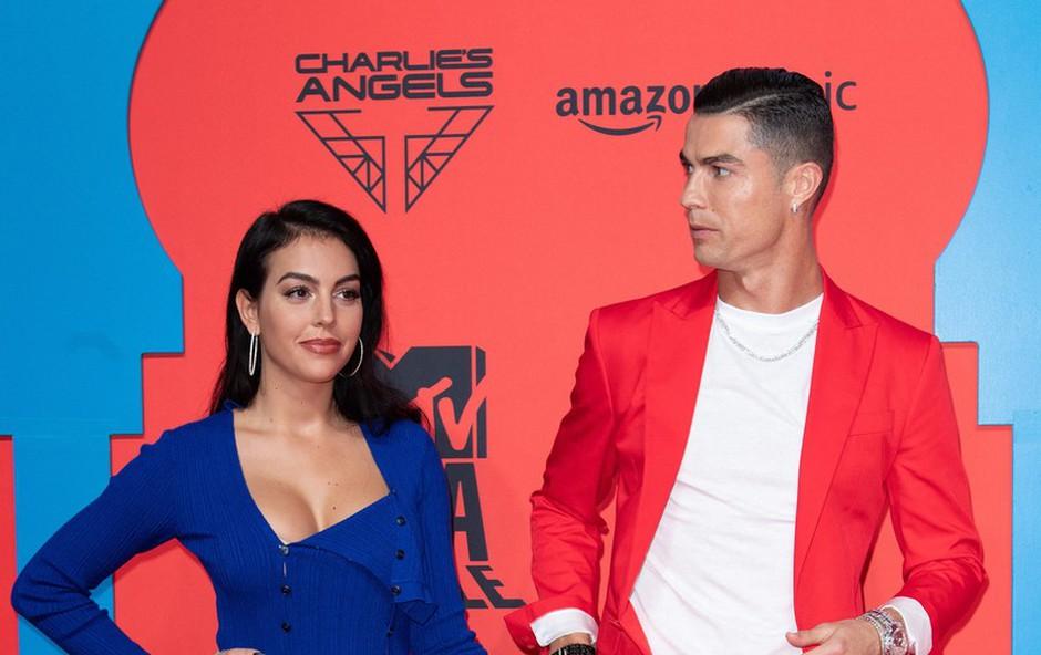 Ronaldo in njegova Georgina naj bi načrtovala skrivno poroko (foto: Profimedia)