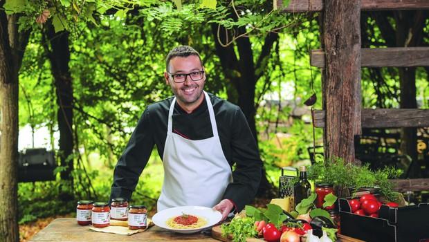 Kuhar Luigi Petrella ve, kako se stvari streže; za to je 'kriva' tudi mama (foto: Aljoša Rebolj)