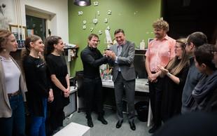 Gluhi za dober namen predsedniku podarili novo ime 'Predsednik Miška'