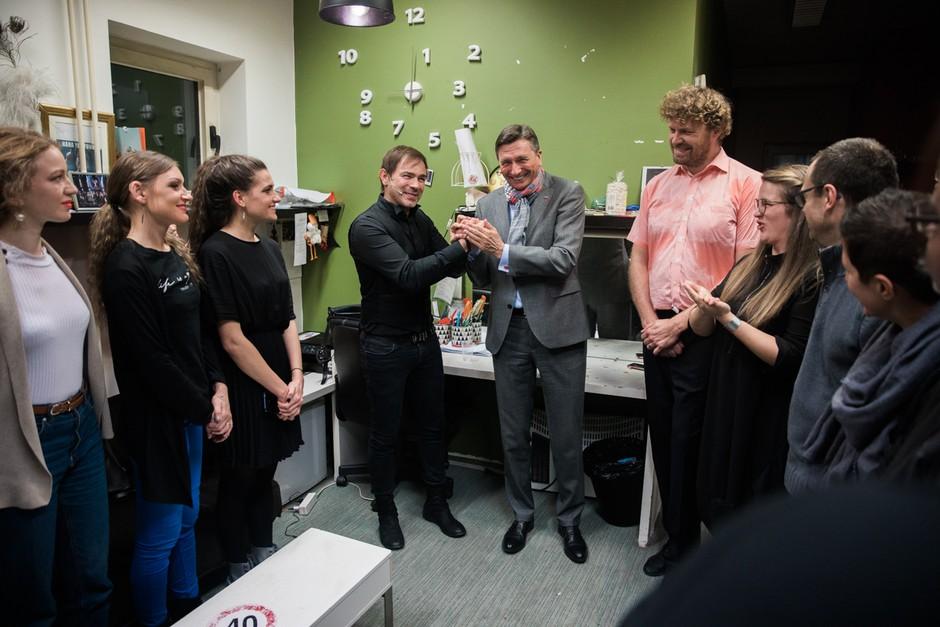 Gluhi za dober namen predsedniku podarili novo ime 'Predsednik Miška' (foto: Primož Križnar / Videa produkcija)