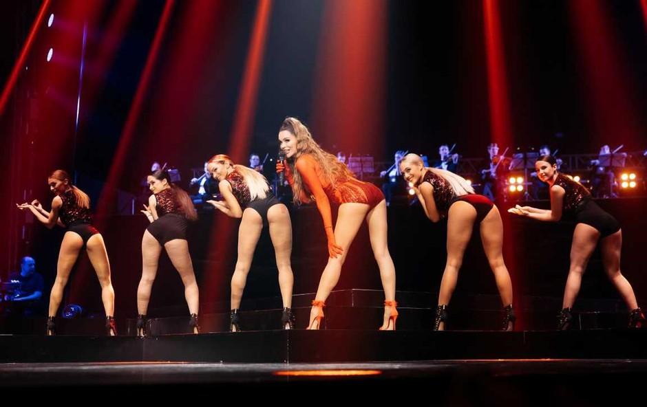 Severina Kojić je na koncertu v Beogradu pokazala nikoli bolj izklesano zadnjico (foto: Promocijski material)