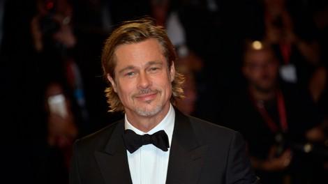 Ameriški mediji trdijo, da Brad Pitt ljubi 25 let mlajšo igralko