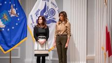 Nevsakdanja modna kombinacija Melanie Trump, ki jo pri njej redko vidimo