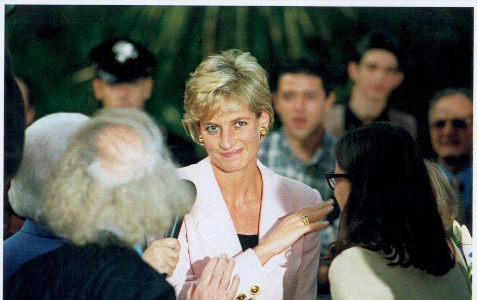 Na dan prišlo, da je princesa Diana žurirala oblečena v moškega (foto: Profimedia)