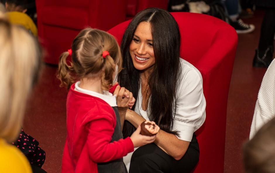 Meghan je na ljubek način pokazala svojo ljubezen do princa Harryja in malega princa Archieja (foto: Profimedia)