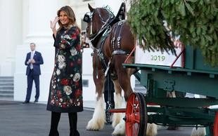 Melania Trump oblekla plašč, ki modnim kritikom nikakor ni bil všeč