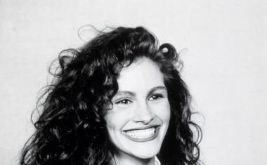 Leta 1991 je prejela zlati globus za najboljšo žensko vlogo v filmu Čedno dekle.