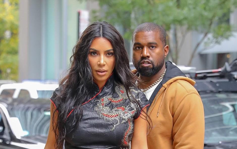 Le kdo je glavni v družini Kanye-Kardashian, po sliki sodeč Kim. (foto: Felipe Ramales/Splashnews.Com/Splash/Profimedia)