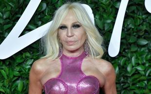 Donatella Versace je bila nekoč povsem drugačna, danes so za njo številne lepotne operacije in njen obraz je čisto spremenjen