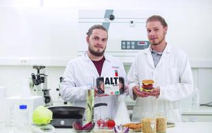 Luka Sinček in Maj Hrovat: Z veganskim Altburgerjem sta v slovenskem prostoru prava pionirja!