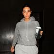 Tako je videti Kim Kardashian, ko se na ulici pojavi povsem brez ličil