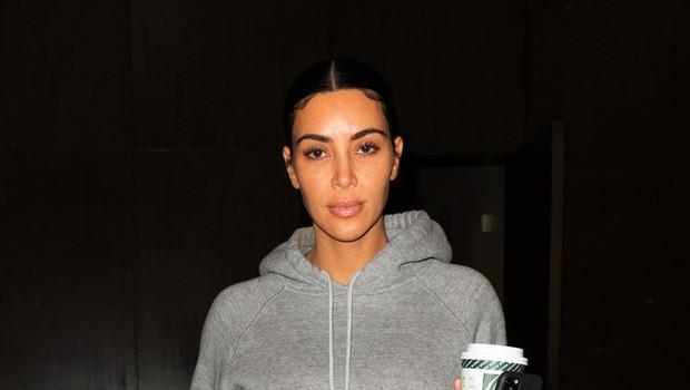Tako je videti Kim Kardashian, ko se na ulici pojavi povsem brez ličil (foto: Profimedia)