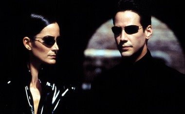 Keanu leta 2003 v kultnem filmu Matrica s soigralko Carrie-Anne Moss.