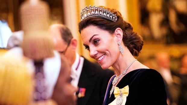 Kate Middleton se je s to čudovito tiaro znova poklonila princesi Diani (foto: Profimedia)