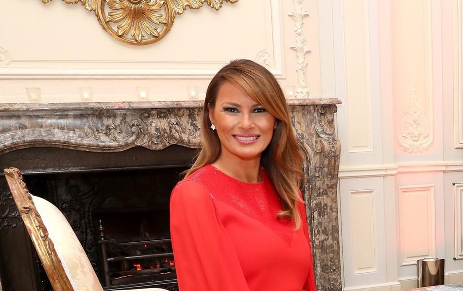 Plašč Melanie Trump, ki ga modni kritiki nikoli niso želeli videti na prvi dami ZDA (foto: Profimedia)