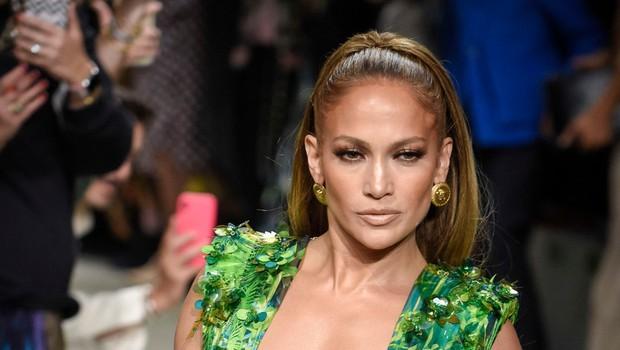 Jennifer Lopez ne popušča niti med prazniki, trenira in kaže svoje izklesane mišice (foto: Profimedia)