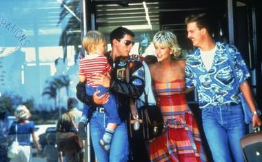 Na snemanju filma Top Gun leta 1986 s Tomom Cruisom, se je zaljubila v soigralca Anthonyja Edwardsa. in the ©Paramount Pictures film Top Gun (1986).