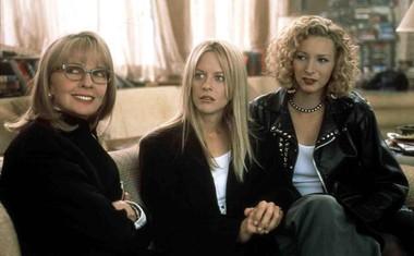 V filmu Slovo od očeta (Hanging Up) iz leta 2000 je Meg Ryan igrala z Diane Keaton in Liso Kudrow.