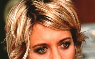 Meg leta 1997 s kratko malce razmršeno frizuro, ki je postala kar nekako njen zaščitni znak. V tem obdobju je bila ljubljenka gledalcev.