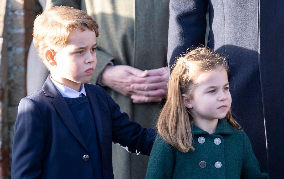 Na dan prišlo, da princesa Charlotte in princ George božičnega kosila nista jedla v isti sobi s kraljico Elizabeto (foto: Profimedia)