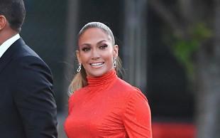 Jennifer Lopez je presegla samo sebe: Tokrat v usnjenih ultra vročih hlačkah oboževalce pustila brez sape
