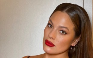 Ashley Graham navdušila z golimi fotografijami!
