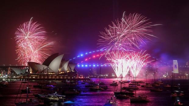 V Sydneyju kljub požarom z velikim ognjemetom pozdravili novo leto (foto: Profimedia)
