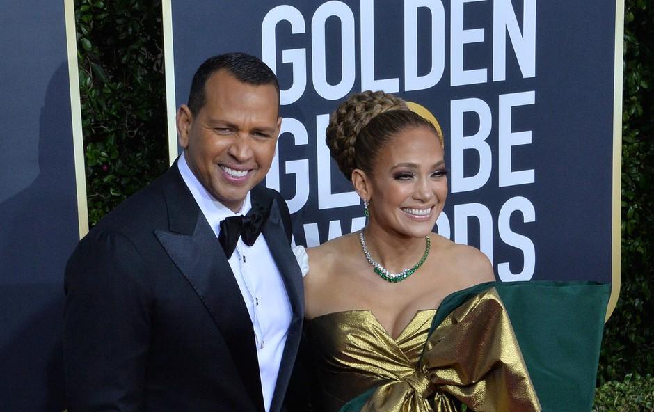 Jennifer Lopez zaradi obleke tarča modnih kritikov (foto: Profimedia)